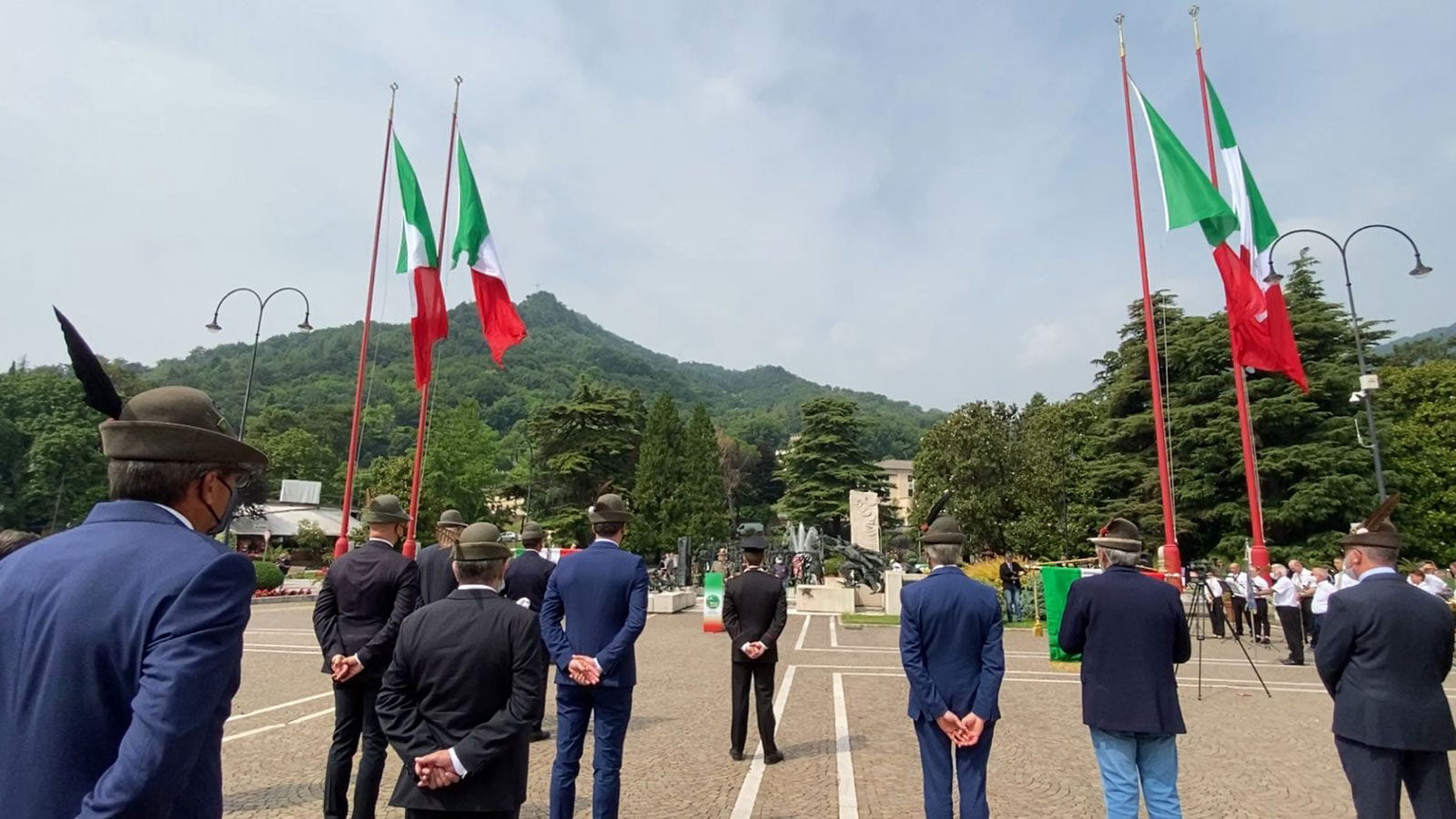 Questa immagine ha l'attributo alt vuoto; il nome del file è Vittorio-90esimoalpini2-20062021-1600x900.jpg